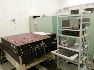 赤外フェムト秒レーザ加工装置<br>Femtosecond Cr:Forsterite Laser System