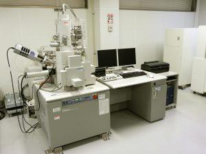 分析走査電子顕微鏡<br>Analytical Variable-Pressure Field Emission SEM